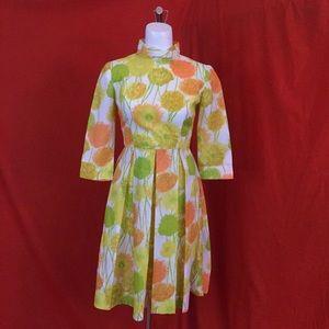 VINTAGE 50s Pleated Yellow Sunflower Sun Dress